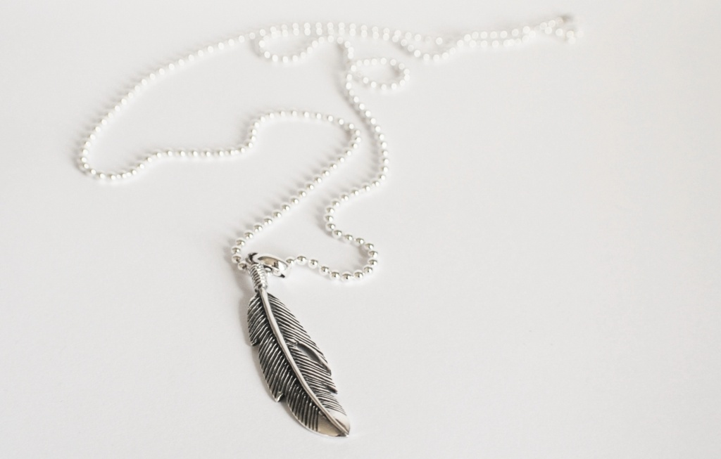 LibertyEmma_STERLING SILVER FEATHER NECKLACE