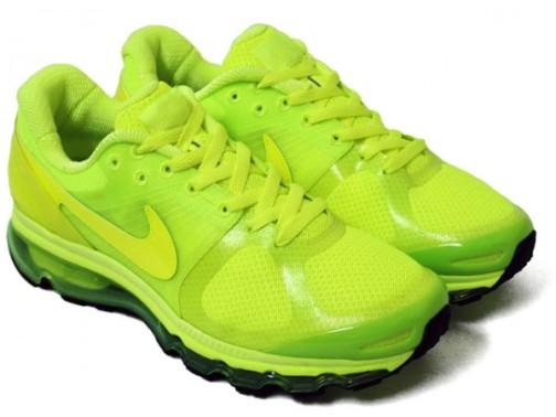 nike-air-max-2010-neon-yellow-air-attack-pack-2-600x450