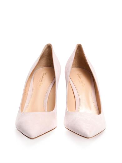 powder pink pumps