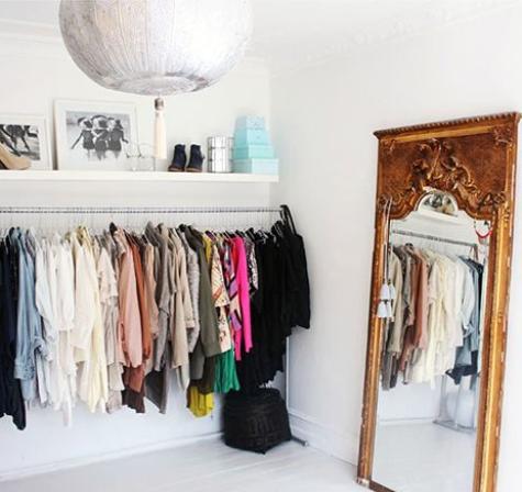 closet_goldmirror