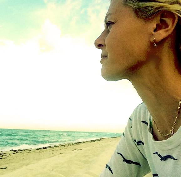 CHRISTINE_beach