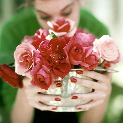 bloom_rednails