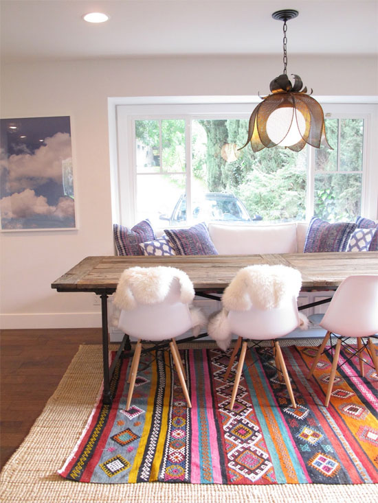 layered-rugs-in-dining-room
